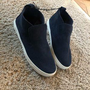 DV navy sneakers
